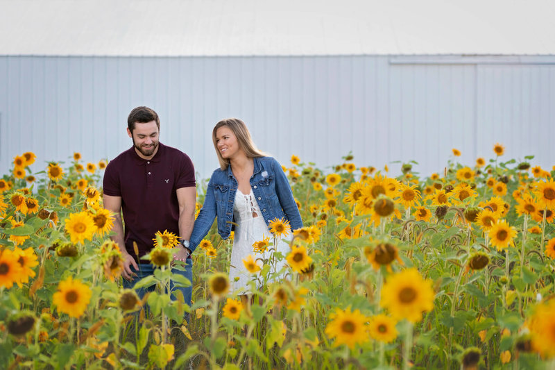 Senior The Bowery Barn Rubicon WI Mini-Session in Hartford, WI
