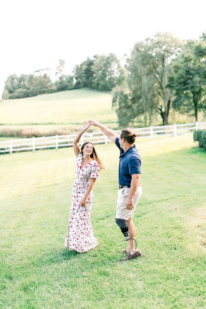 Pennsylvania Countryside Engagement Session by Emi Rose Studio (21)