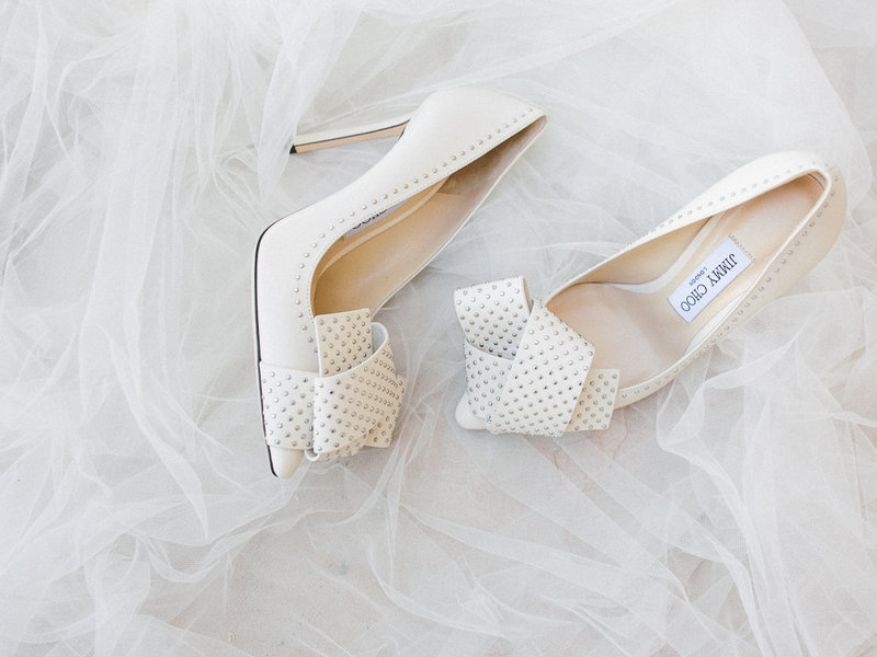 Babsie-Ly-Photography-Malibu-Rocky-Oaks-wedding-Jimmy-Choo-White-Heels-Veil-002