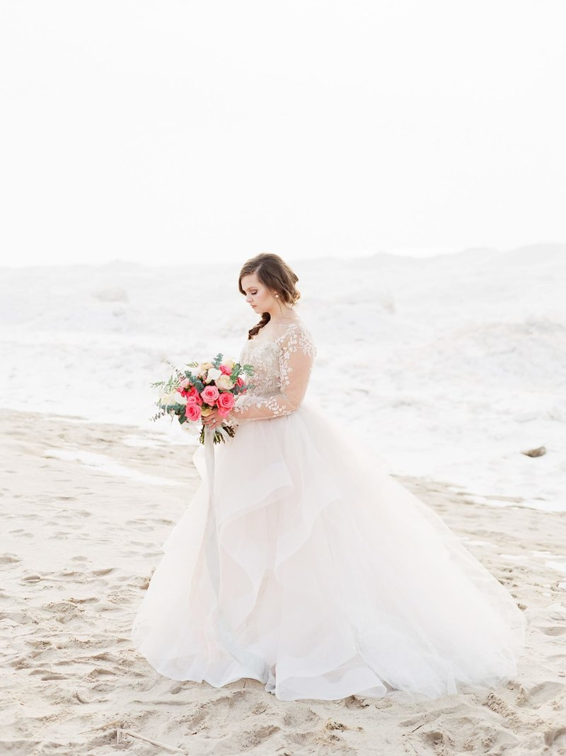 Frozen-Lake-Michigan-wedding-inspiration-Kelly-Sweet-3
