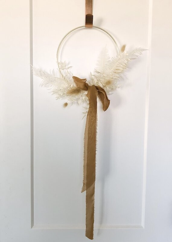 winter-door-wreath