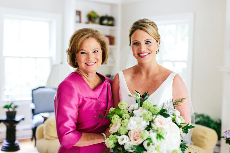 bride-and-mom