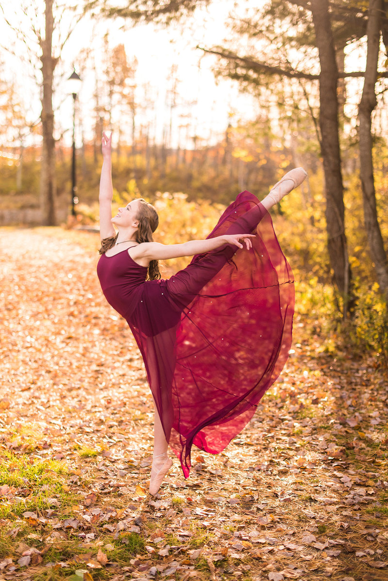 dance photography on pointe in autumn