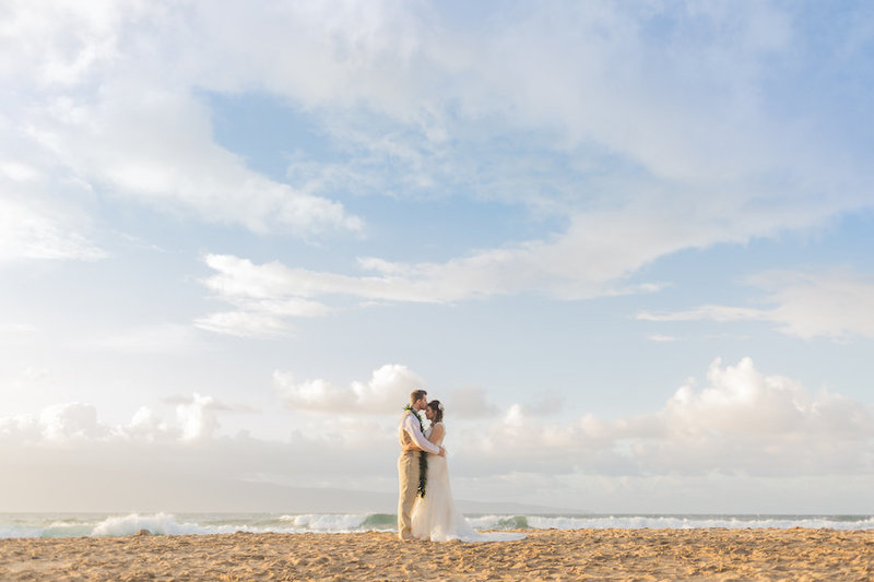 descriptions of oahu beach wedding packages