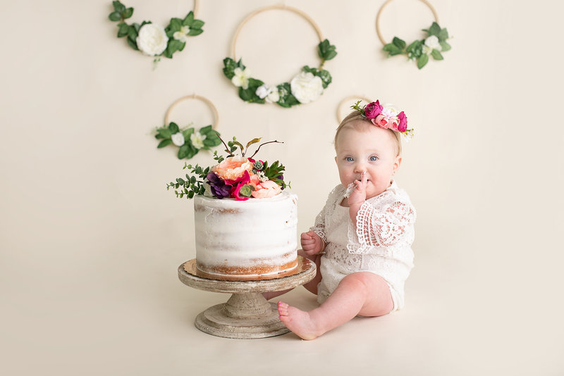 columbus ohio cake smash photographer first birthday session classic boho floral amanda estep photography