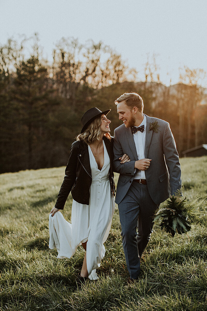 boho-bride-groom-minimalist-chestnut ridge