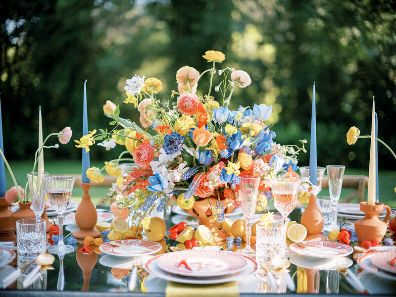 Colorful Wedding Table Ideas by wedding florist and designer Sofia Nascimento Studios