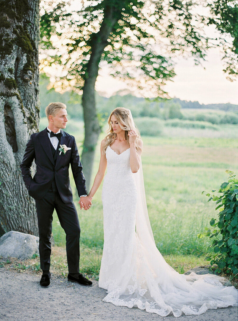 057-bride-and-groom-photos-södertuna-slott