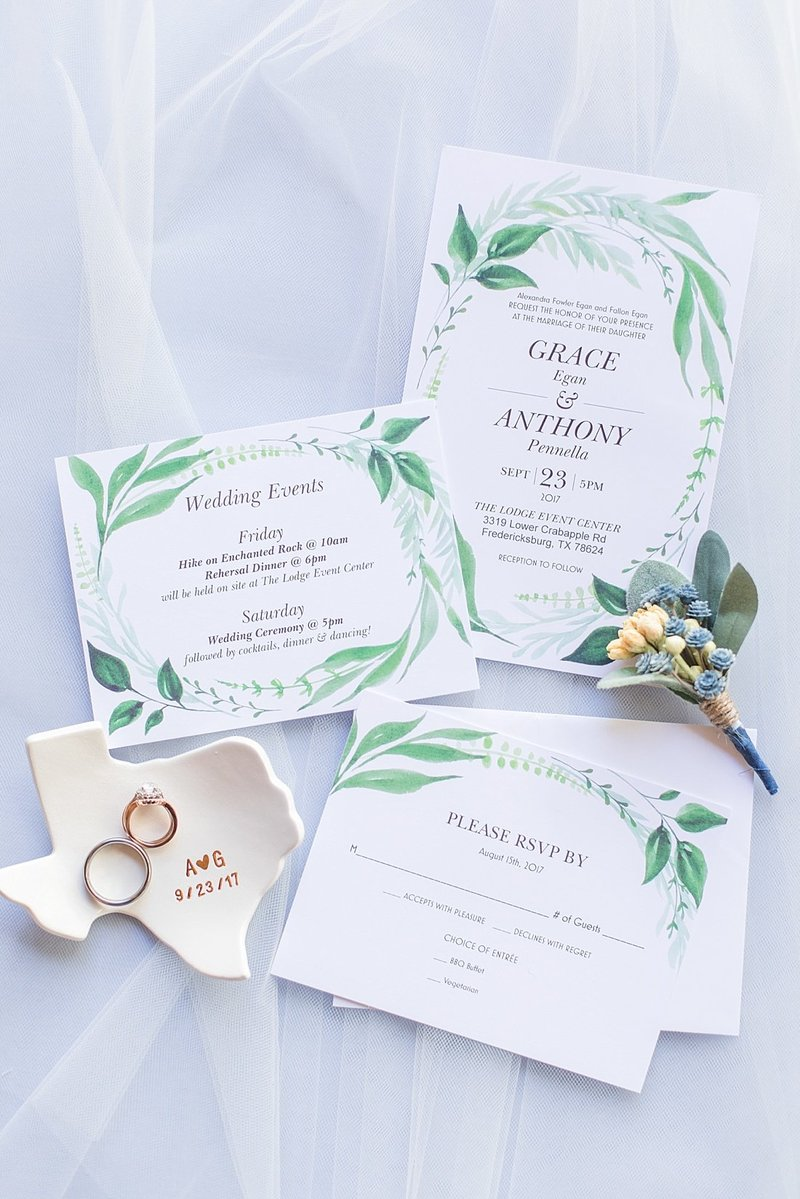 Navy and greenery botanical wedding at The Lodge at Country Inn _ Cottages Wedding Venue in Fredericksburg Texas_0001