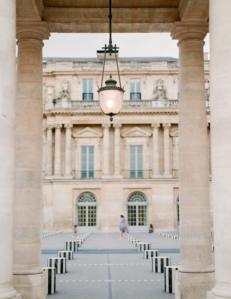 Paris-Wedding-Photographer-Film-Photographer-France-Molly-Carr-Photography-35