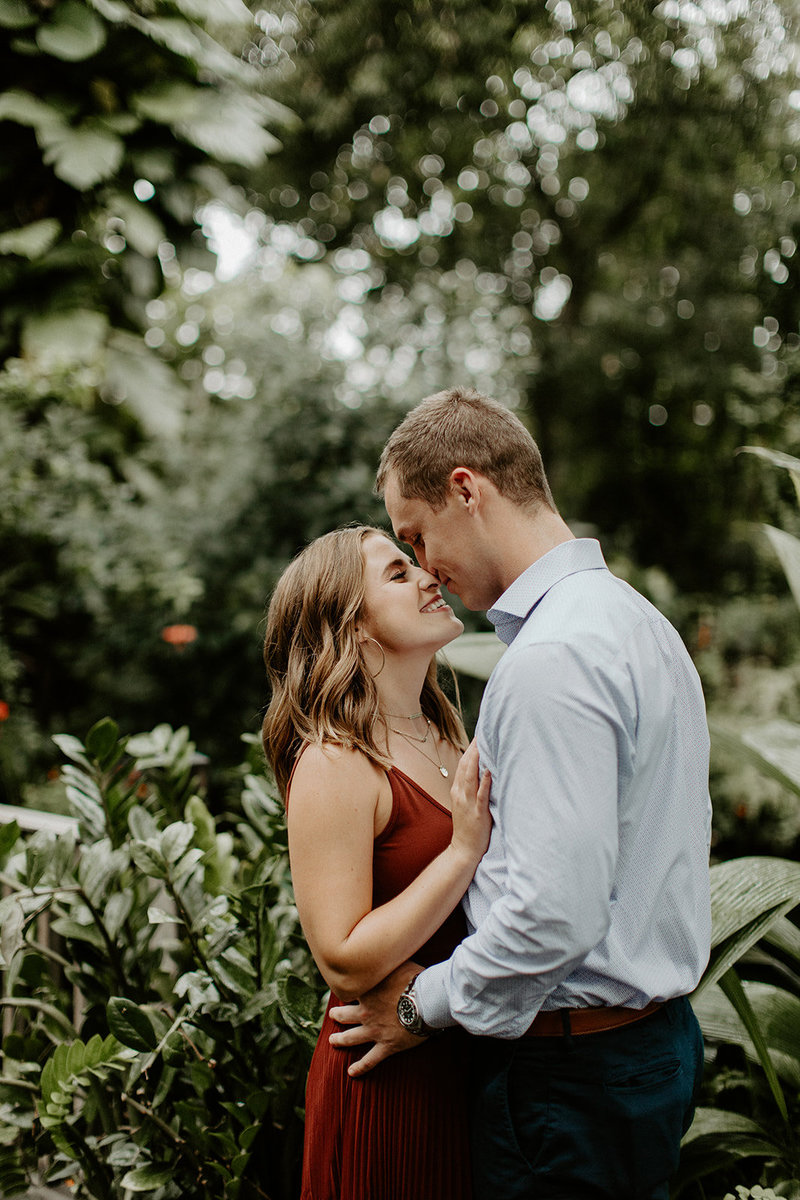 milwaukee engagement photography mitchell park domes
