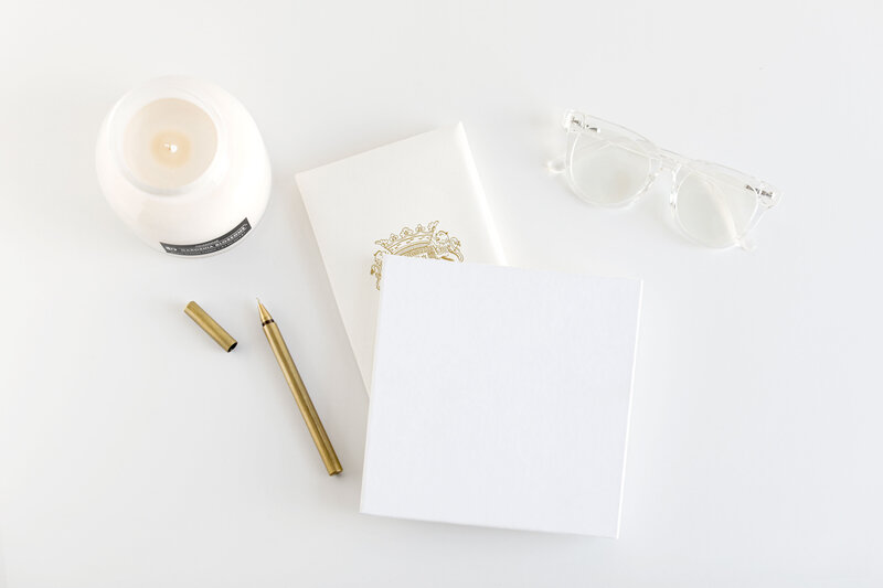 Stationary-Minimal-White-StockUp-JanaMarie