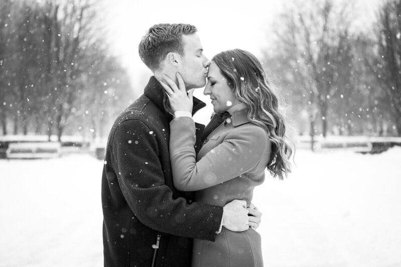 B&W Millennium Park Chicago Engagement Taylor Ingles Photography 4