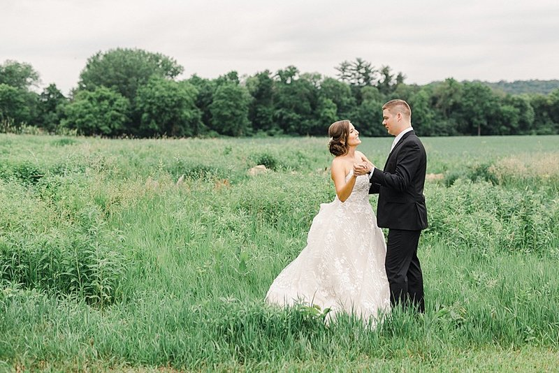 Laura-Dustin-Wedding-Mayowood-Stone-Barn-750