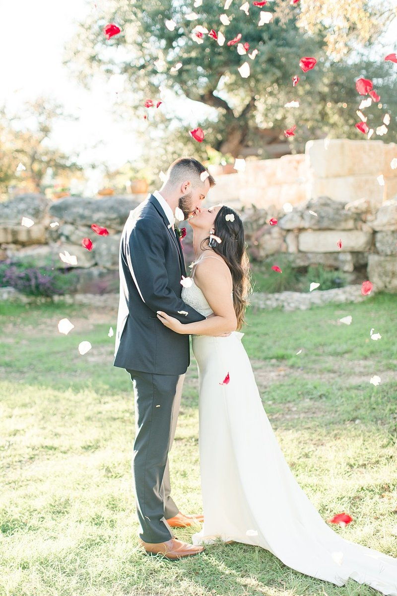 Eagle Dancer Ranch in Boerne Texas Wedding Venue photos by Allison Jeffers Photography_0074