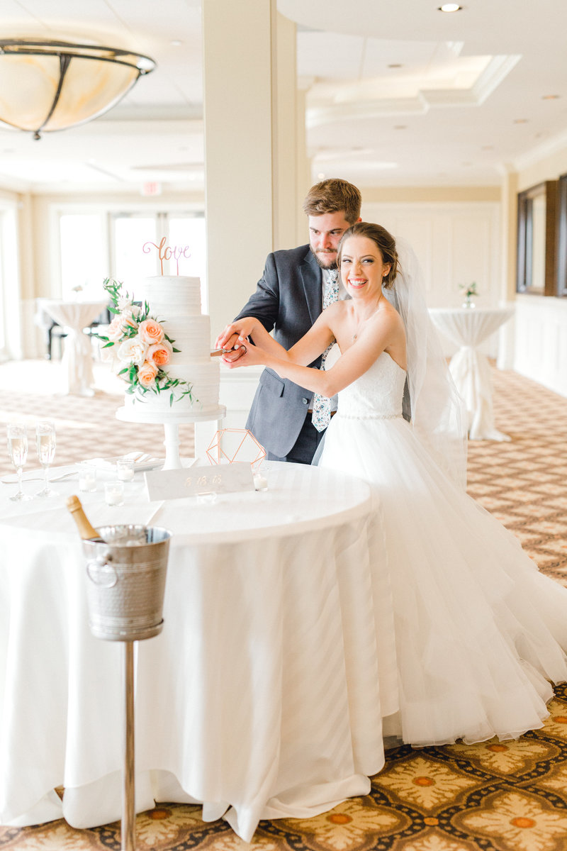 Glen-Oaks-Country-Club-West-Des-Moines-IA-Wedding-J+A-0348