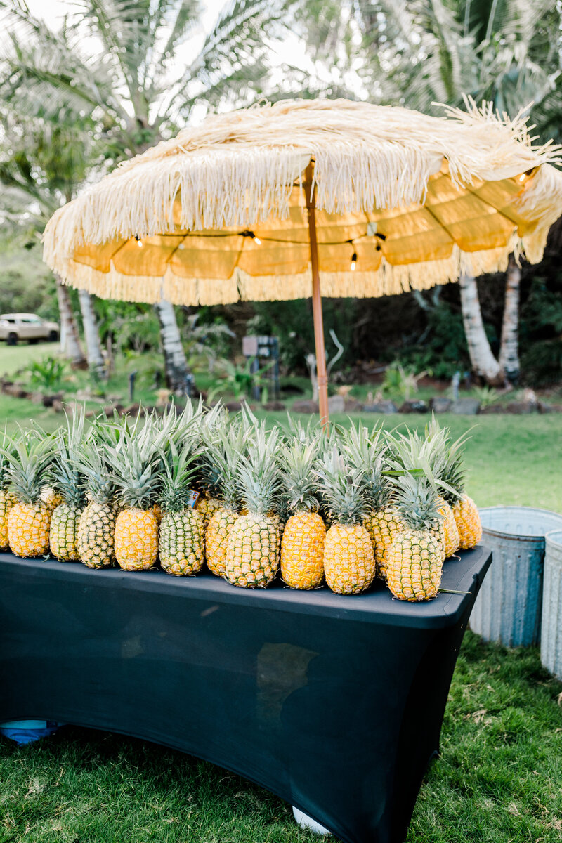 pineapple centerpieces loulu palm in hawaii