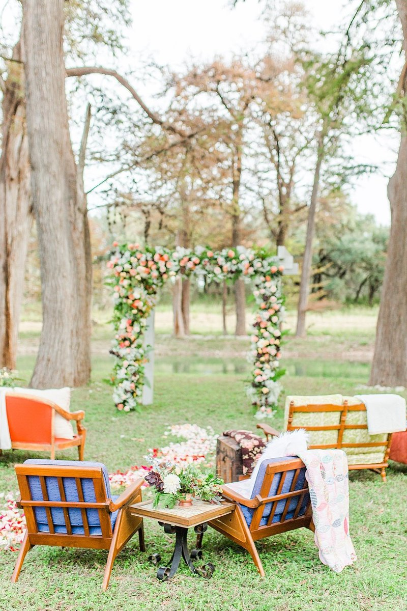 Intimate wedding in Utopia Texas Hill Country Wedding Venue photos by Allison Jeffers Photography_0020