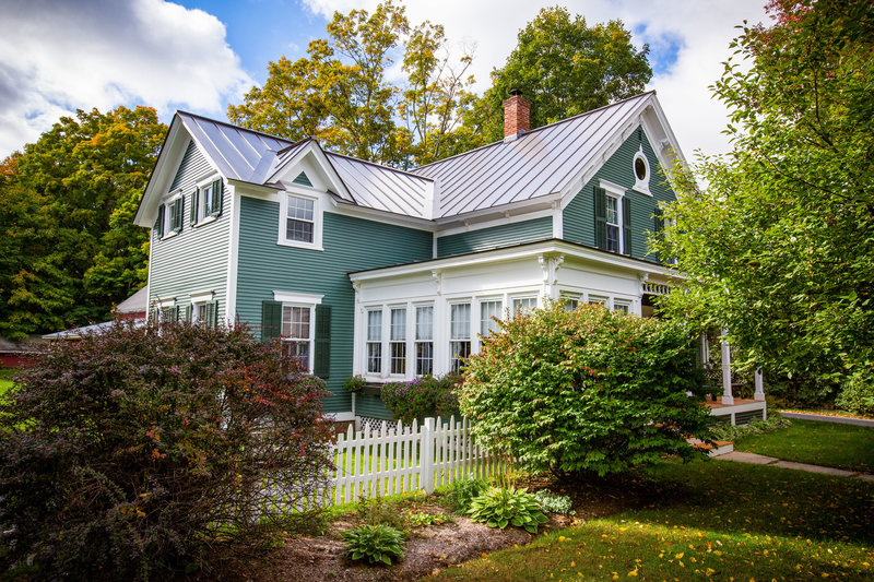New England real estate and architecture photographer based in Burlington VT | Hall-Potvin Photography