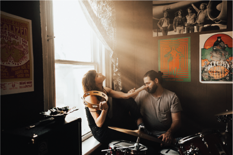 couple-playing-music