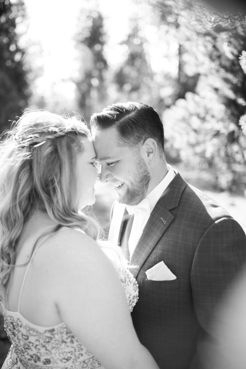 colorado bride and groom in black and white