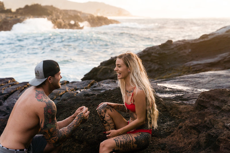 cockroach-cove-sunrise-hawaii-proposal-photographer-sydney-and-ryan-photography-21