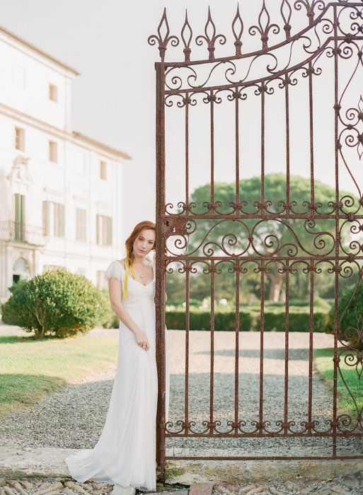 Molly-Carr-Photography-Paris-Film-Photographer-France-Wedding-Photographer-Europe-Destination-Wedding-Villa-Di-Geggiano-Siena-Tuscany-Italy-15