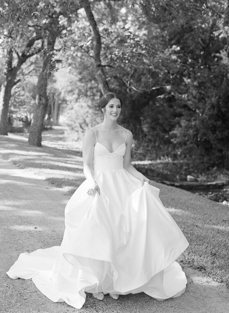 maggie-brent-pecan-spring-branch-wedding-contigo-ranch-frederickburg-36