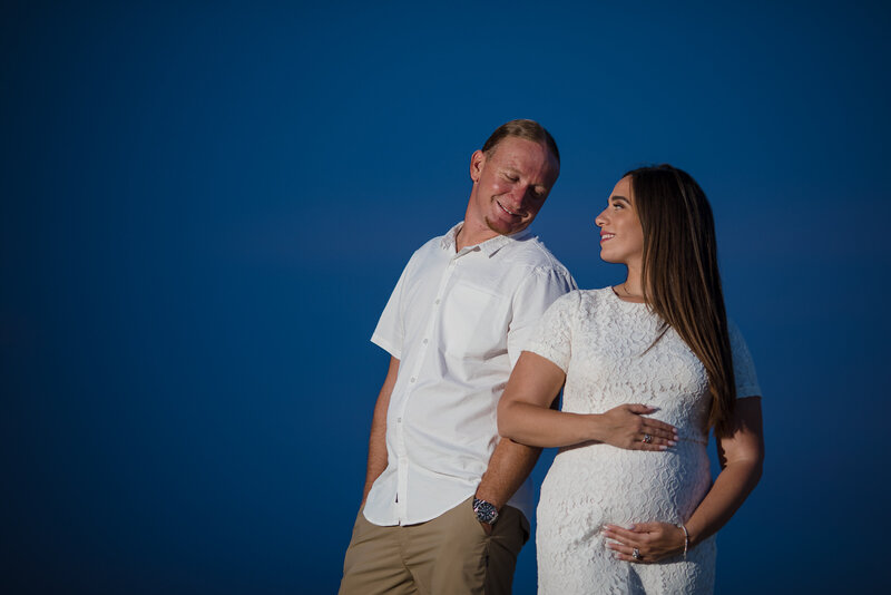 palm-beach-florida-pregnancy-announcement-photos-beach2