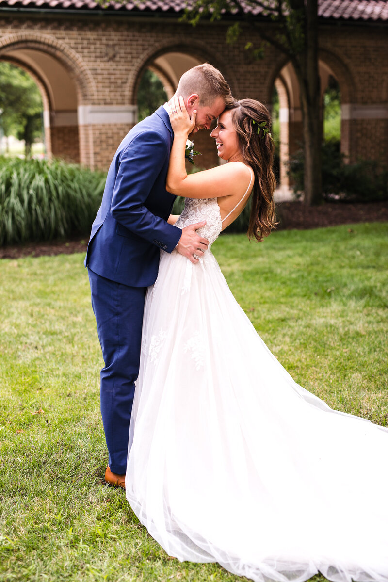 Natural Light Bride and Groom Photo Indianapolis