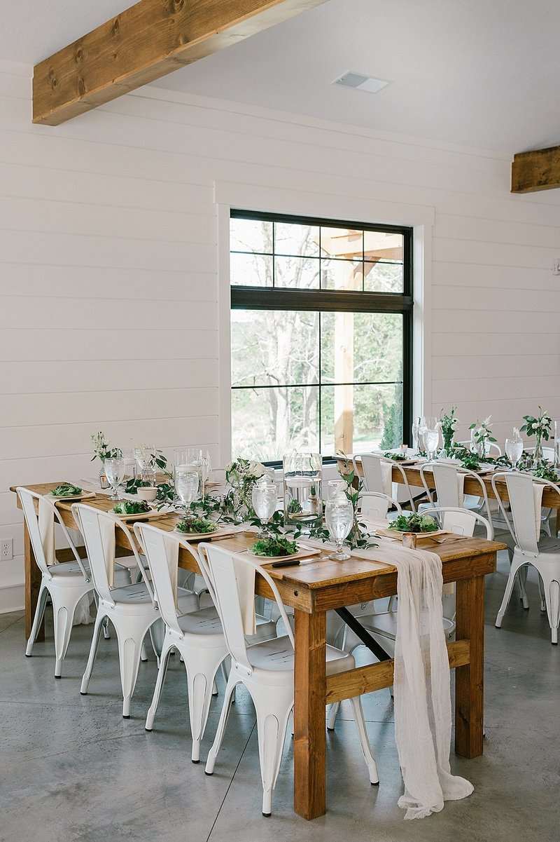 Bloomington_Indiana_The_Wilds_Wedding_Venue_rustic_farm_table_design