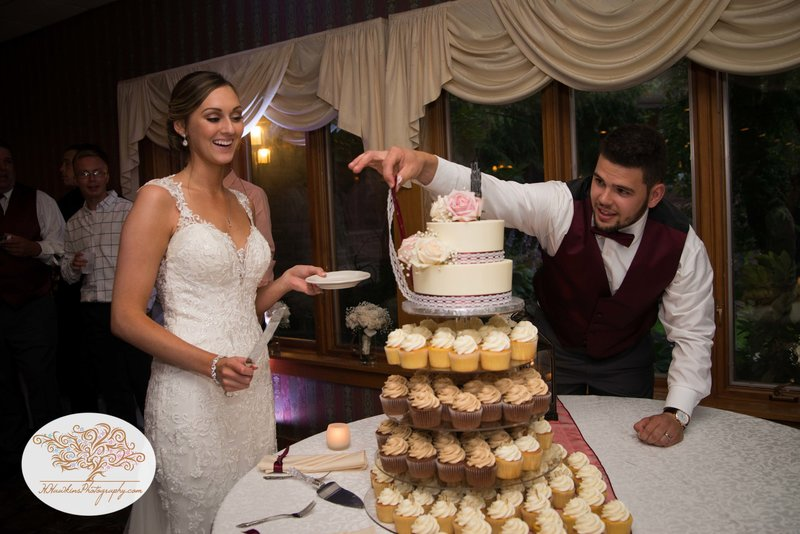 Belhurst Castle Pictures Geneva NY Syracuse Wedding Photographer-58