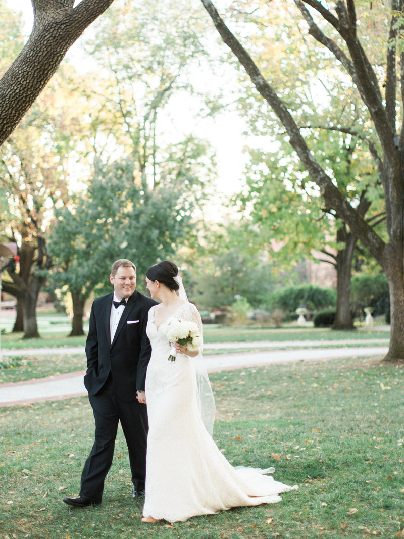 Jordan-and-Alaina-Photography-Nashville-Wedding-Photographer-Parthenon-Belmont-Chapel-Tennessee-State-Capitol-bride-groom-3