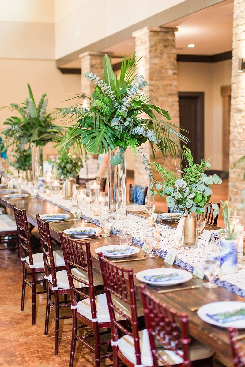 Navy and greenery botanical wedding at The Lodge at Country Inn _ Cottages Wedding Venue in Fredericksburg Texas_0129