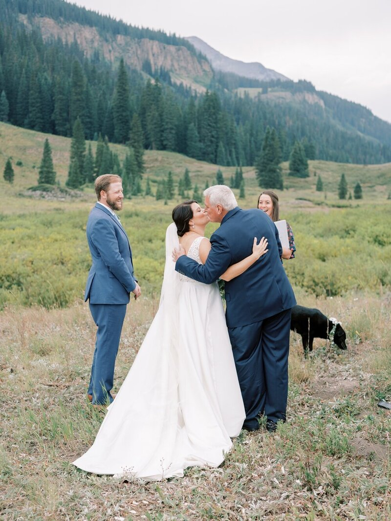 Joyful and Playful Wedding in Crested Butte_0010