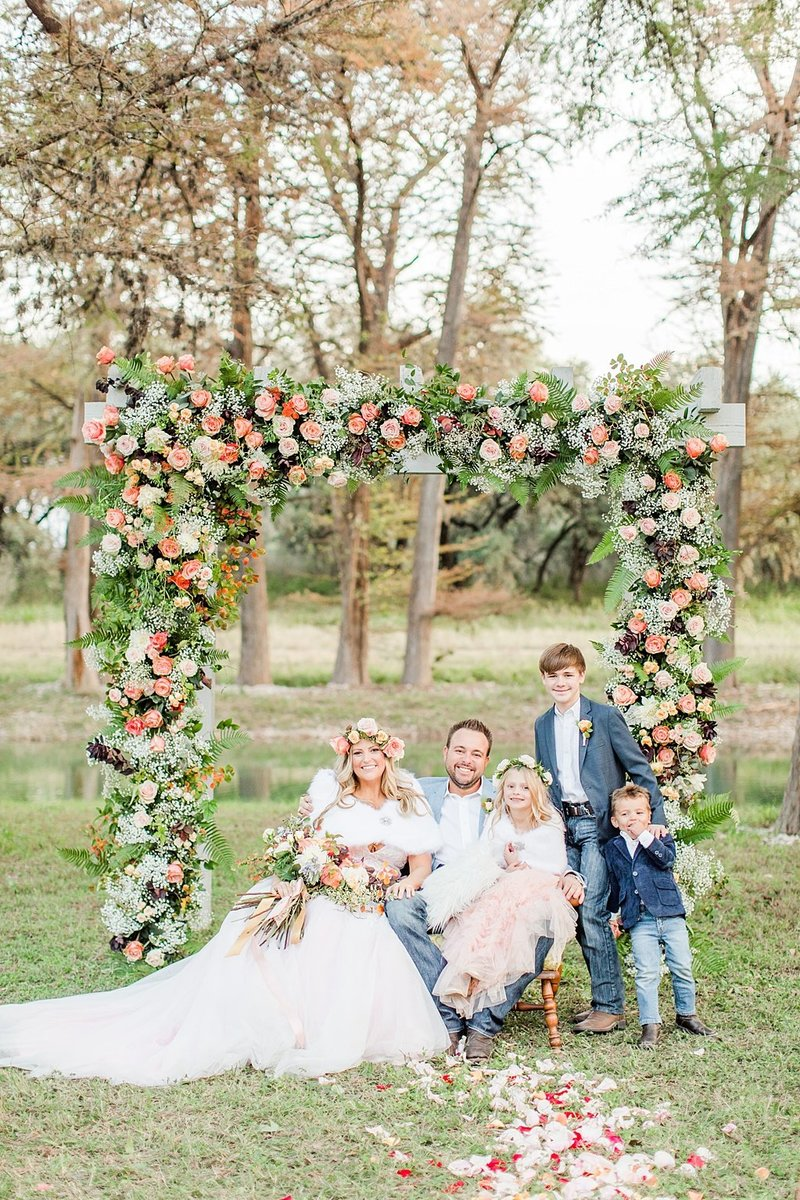 Intimate wedding in Utopia Texas Hill Country Wedding Venue photos by Allison Jeffers Photography_0044