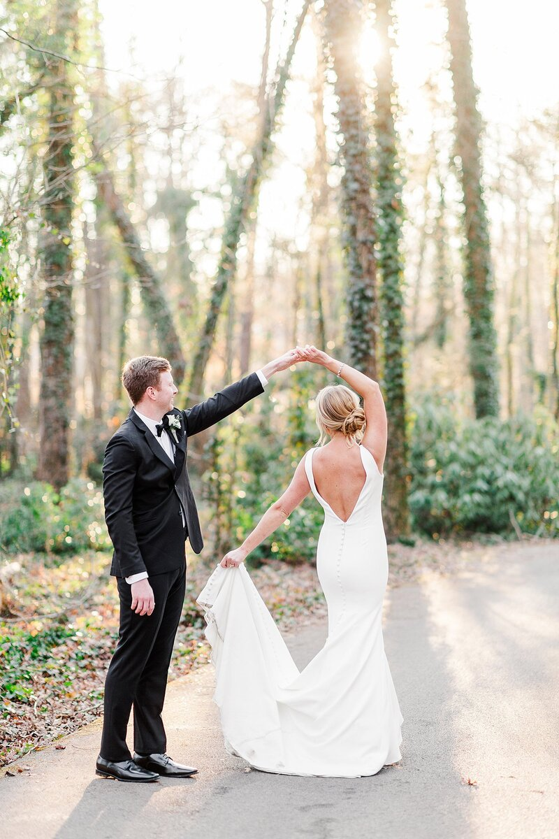 dancing by Knoxville Wedding Photographer, Amanda May Photos