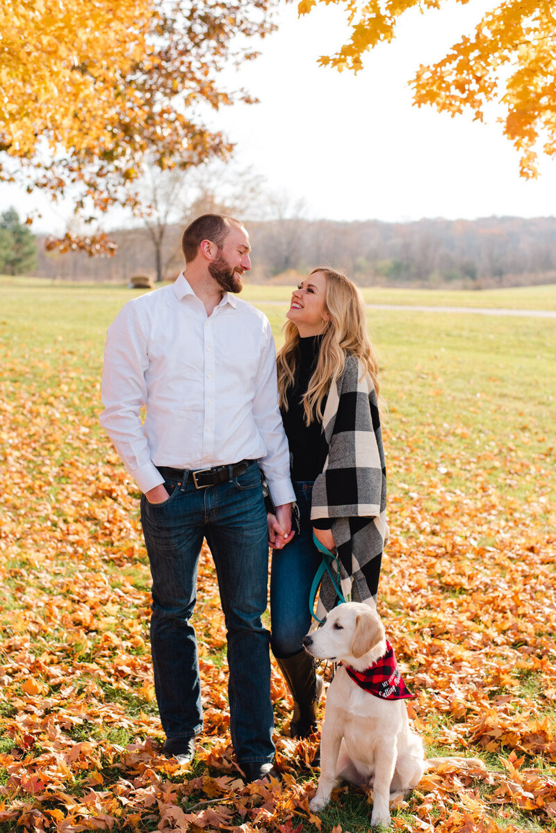Minnesota-fall-puppy-engagement-photos-8