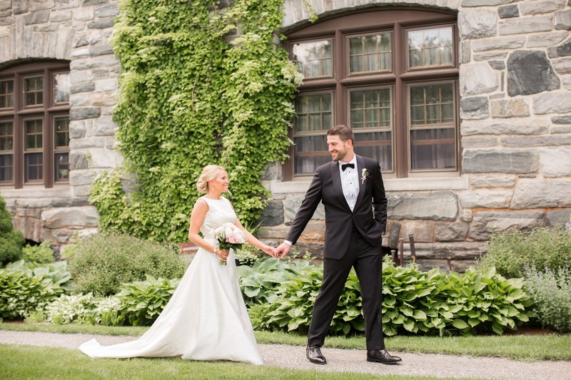 Bride and groom photo at Castle Hill Inn