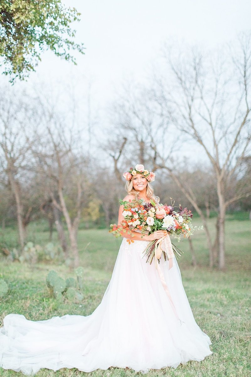 Intimate wedding in Utopia Texas Hill Country Wedding Venue photos by Allison Jeffers Photography_0058