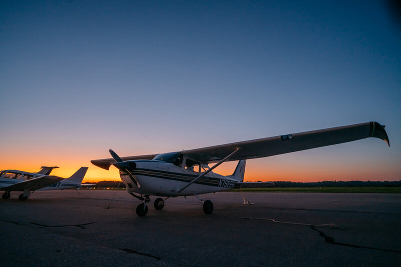 SkyHawk N79228. Cessna 172k. Photo by Philip Casey