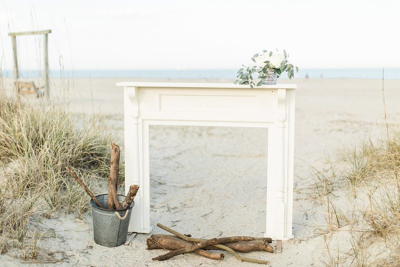 A mantel in front of the beach.
