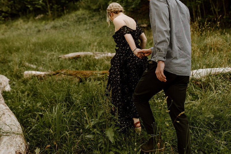 merrit-zach-engagement-sneaks-8