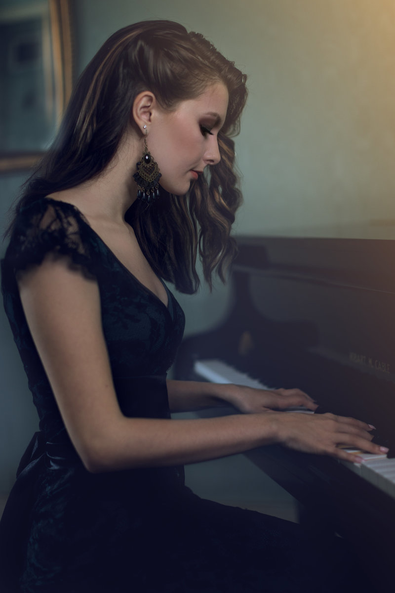 Piano Portrait