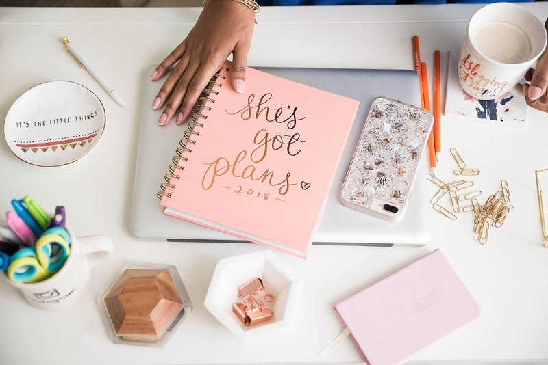 home-office-branding-ideas-decor-flat-lays