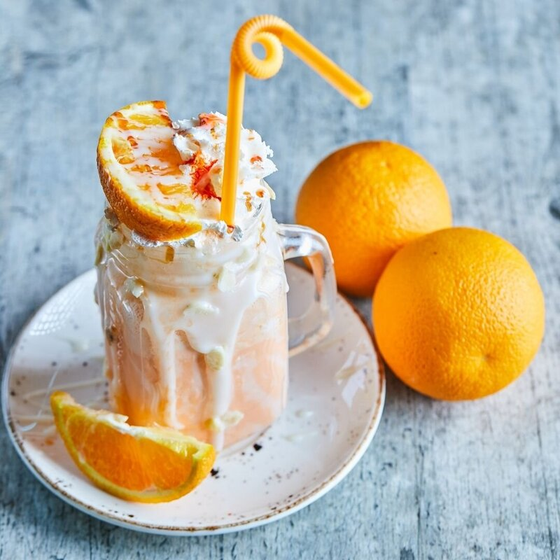 EYN-Nutritionist--How-to-make-a-dreamy-orange-creamsicle-smoothie-750-1085-