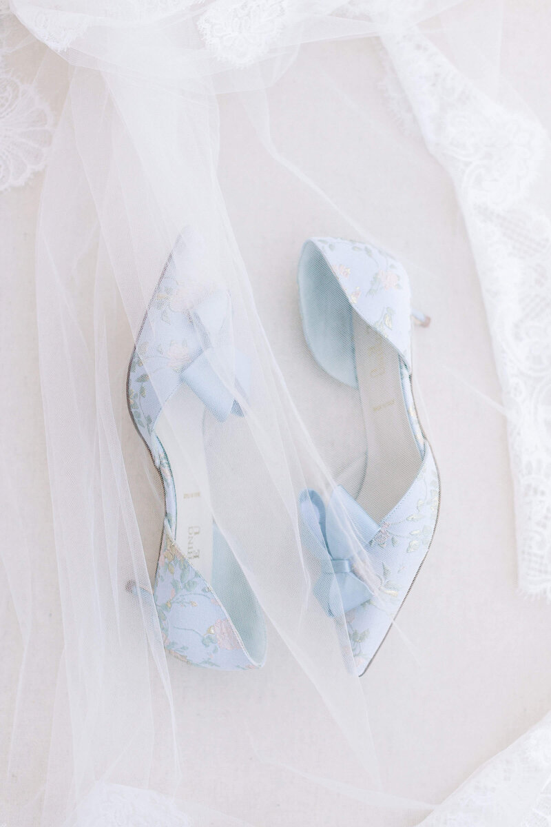 Boston Light & Airy Wedding Photographer Caroline Winn Photography