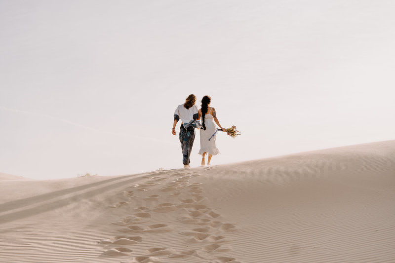 morocco-desert-elopement-adventurous-sand-dunes-monahans-sydney-and-ryan-photography-157