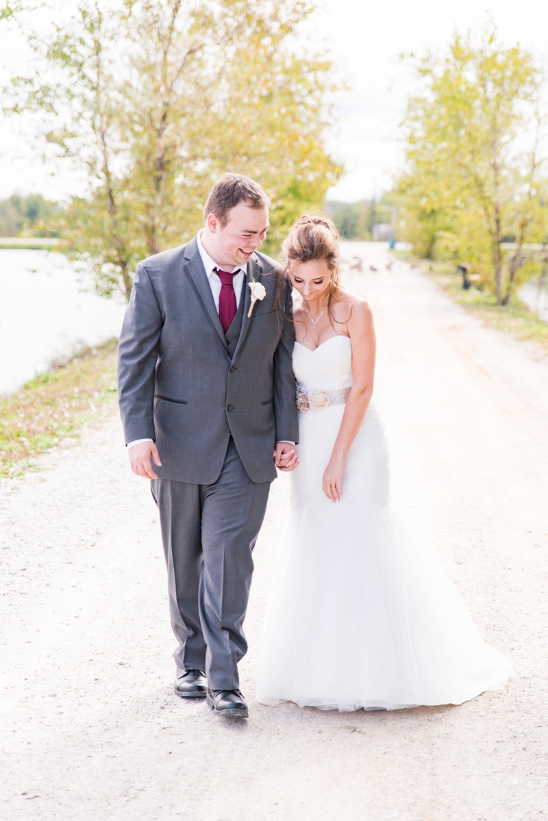 Willow Creek Barn Wedding Photographer Indianapolis Wedding Photographer-4