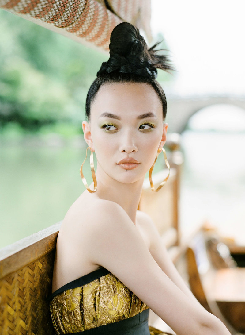 33-ktmerry-HarpersBazaar-Chinese-bride-hautecouture-gold